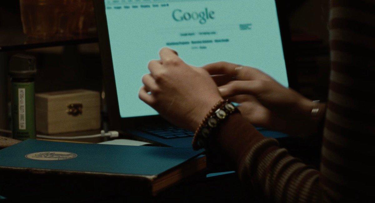 Bella googling vampires in Twilight