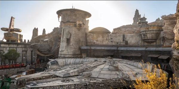 Star Wars: Galaxy's Edge Will Let You Damage The Millennium Falcon In An Amazing Way