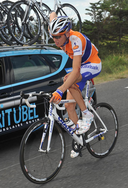 Robert Gesink injury, Vuelta a Espana 2009, stage 17