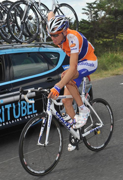 Robert Gesink injury, Vuelta a Espana 2009, stage 17