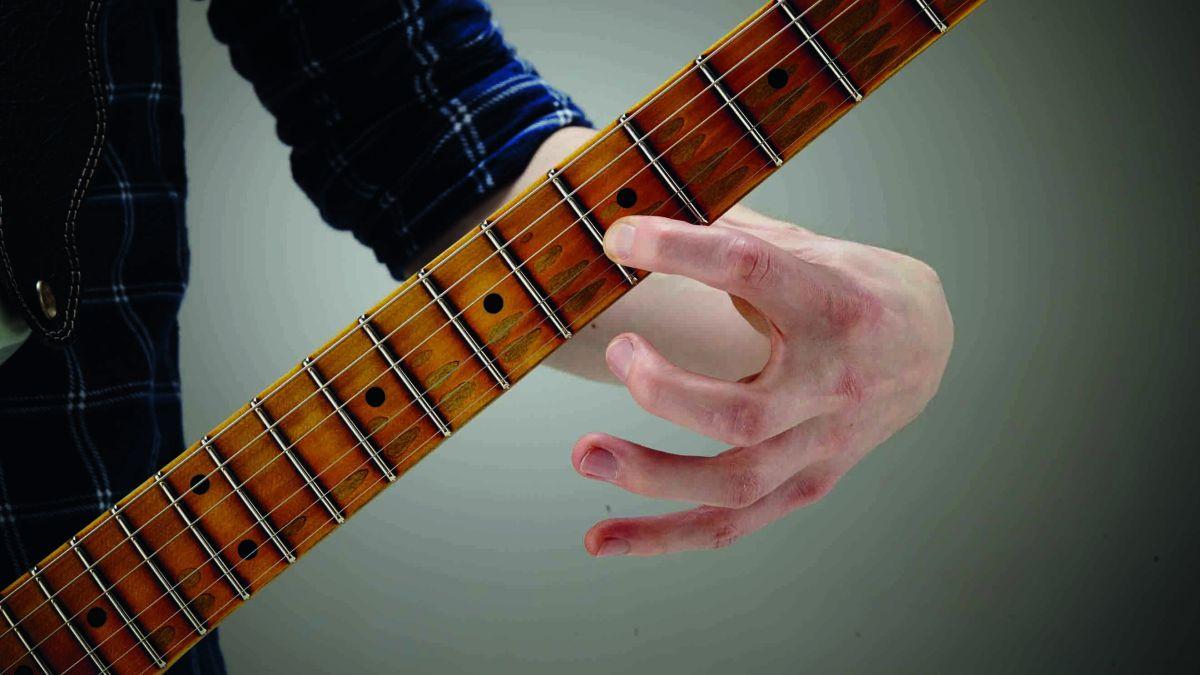 5-minute blues guitar lesson: Quarter-tone bends