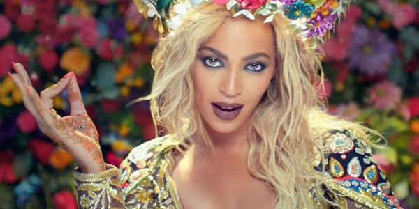 Beyonce in Coldplay's Hymn for the Weekend music video