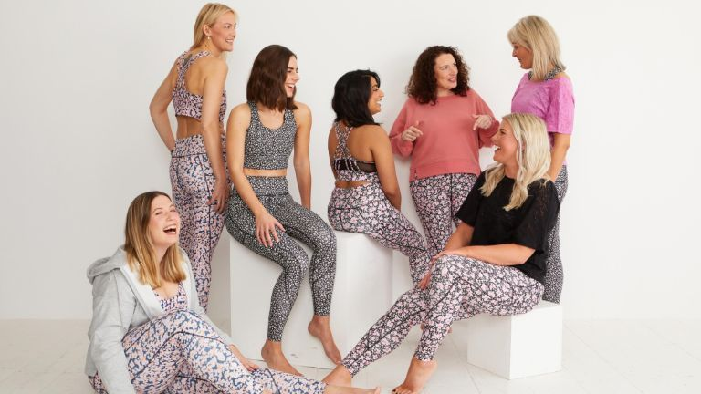 best leggings with pockets: group of women wearing oliver bonas activewear