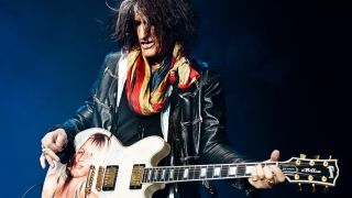 3 guitar tricks you can learn from Joe Perry