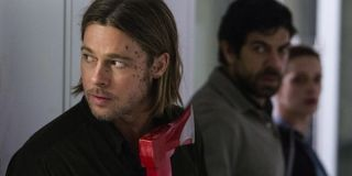 World War Z Brad Pitt Gerry Lane hiding with an ax in the WHO lab