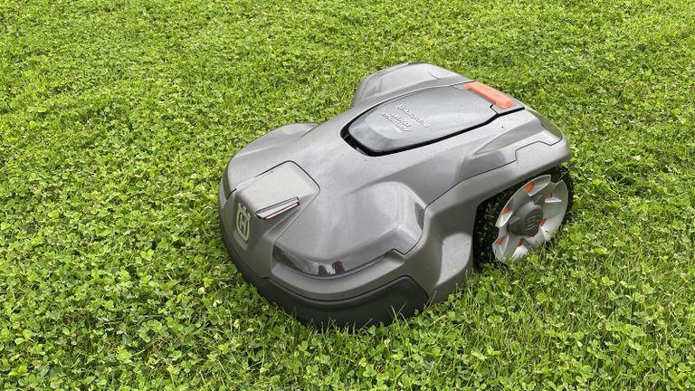 close up of Husqvarna Automower 415x robot mower on lawn
