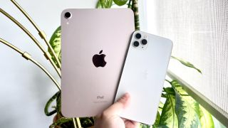 iPad mini 6 and iphone 11 pro max