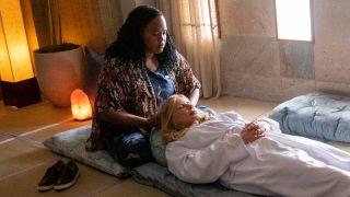 Natasha Rothwell and Jennifer Coolidge in 'The White Lotus'