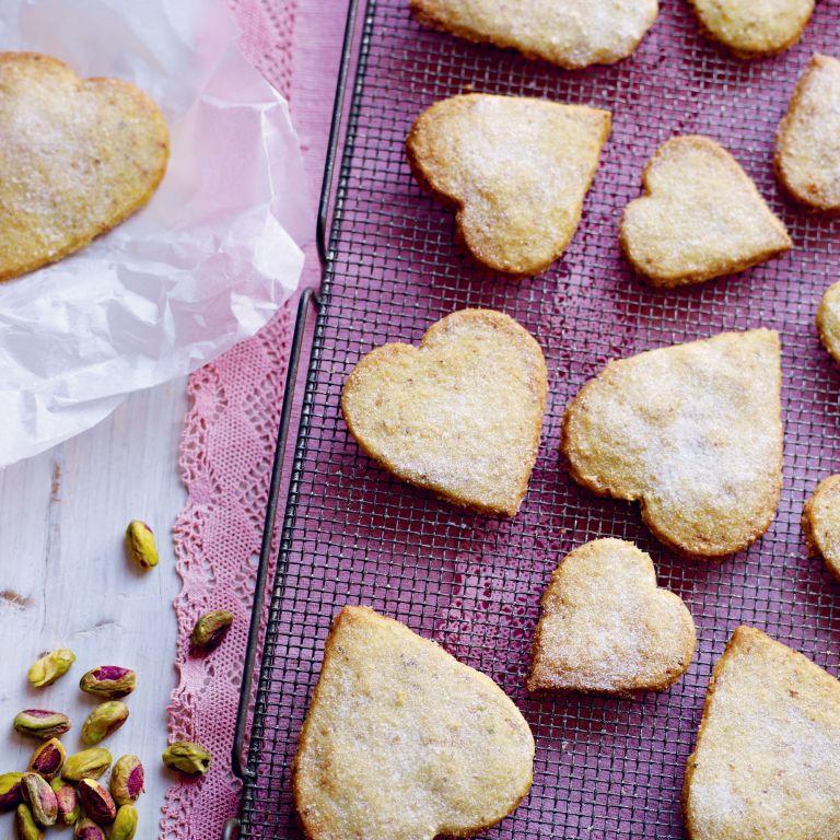 Pistachio and orange shortbread hearts photo