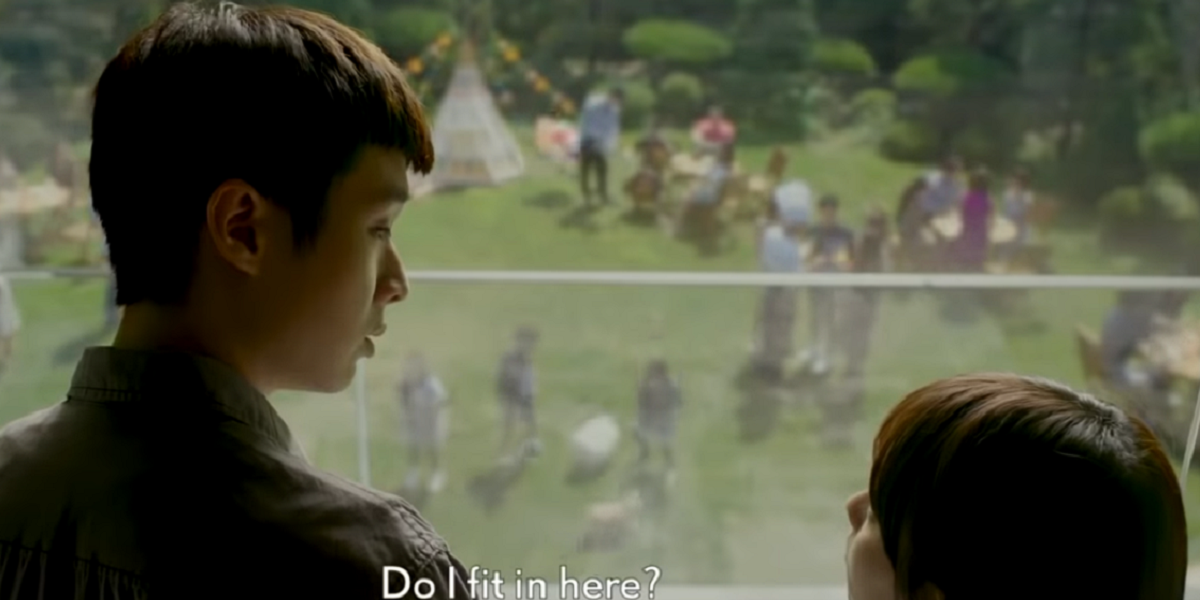Choi Woo-shik  and Jung Ji-so in Parasite