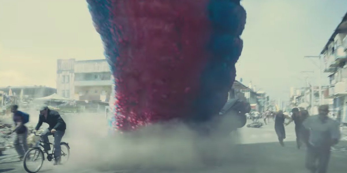 Starro crushes civilians in The Suicide Squad (2021)