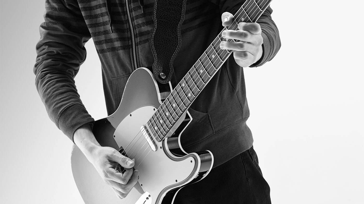 Improve your finger dexterity with this 20-minute guitar workout