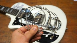 How to restring your Bigsby tailpiece