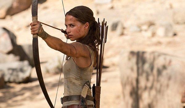 Tomb Raider Alicia Vikander Lara Croft draws her bow