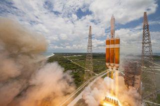 Delta IV Heavy Rocket Launches NROL-37 Spy Satellite