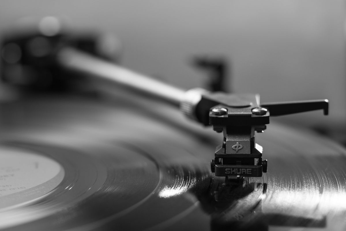 Record label claims Amazon is selling counterfeit vinyl