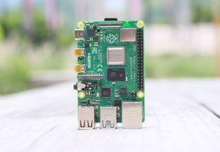 Raspberry Pi 4 Wi-Fi Problems? Here's the Workaround