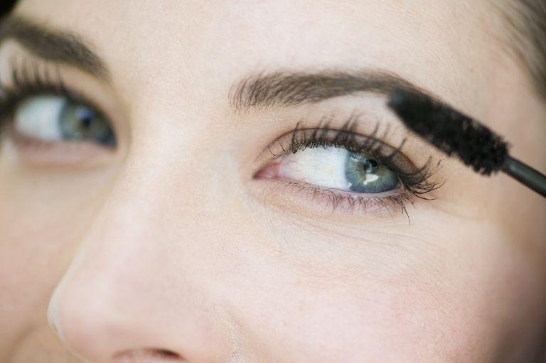 mascara with fibers