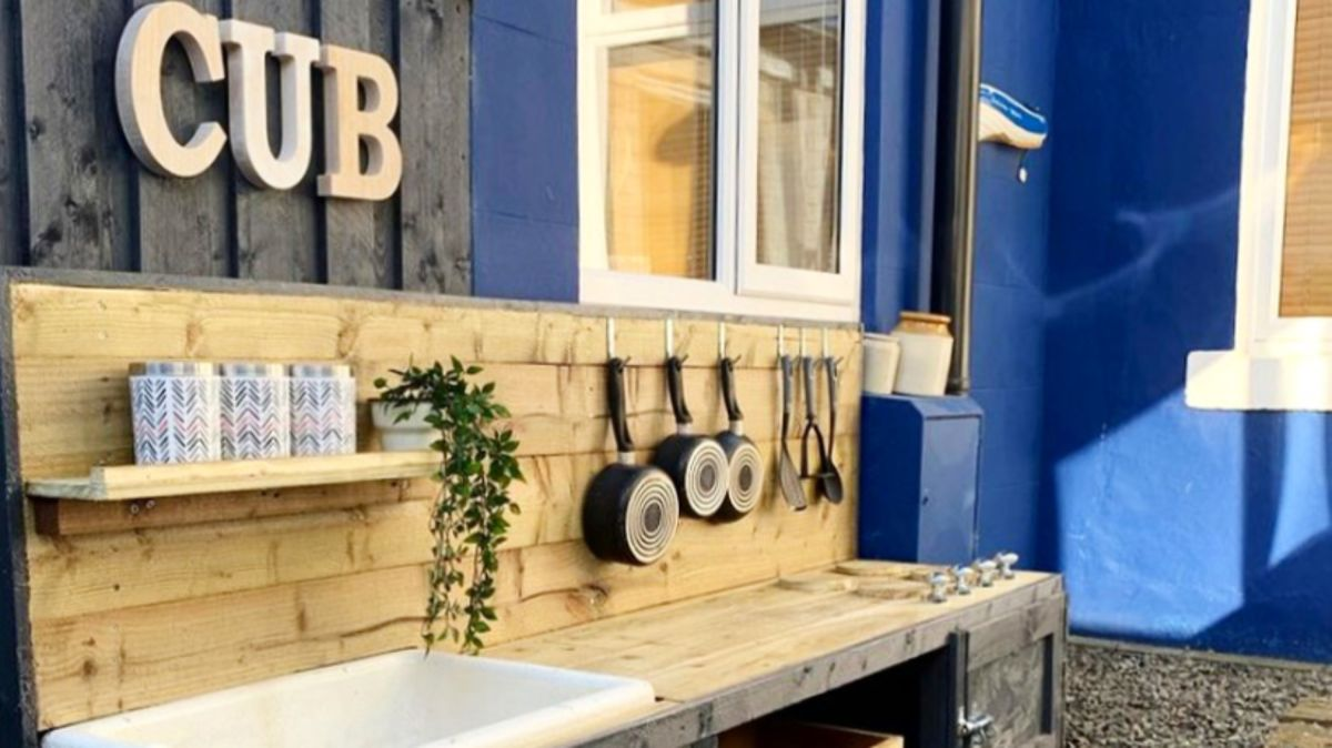 Before and after: this DIY mud kitchen is made from fence panels – and it cost just £40