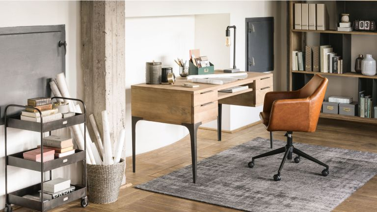 Maisons du Monde mid-century modern inspired office