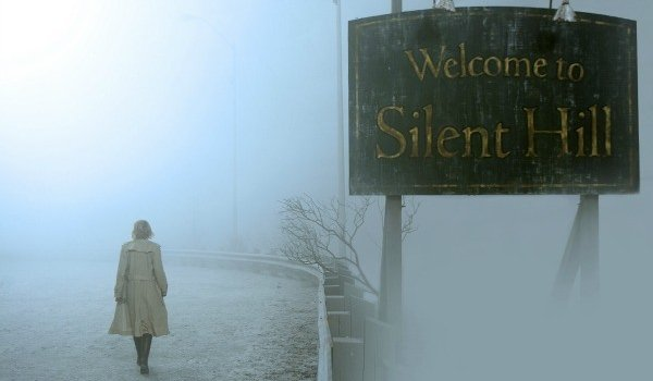 Silent Hill Radha Mitchell walking into the fog