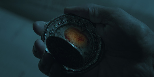 John wick amulet bloody fingerprint