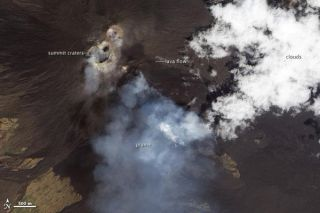 etna-erupting-110916-02