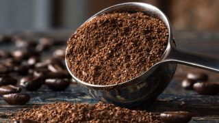 Five ways to reuse coffee grounds: from absorbing odors to tenderizing meats