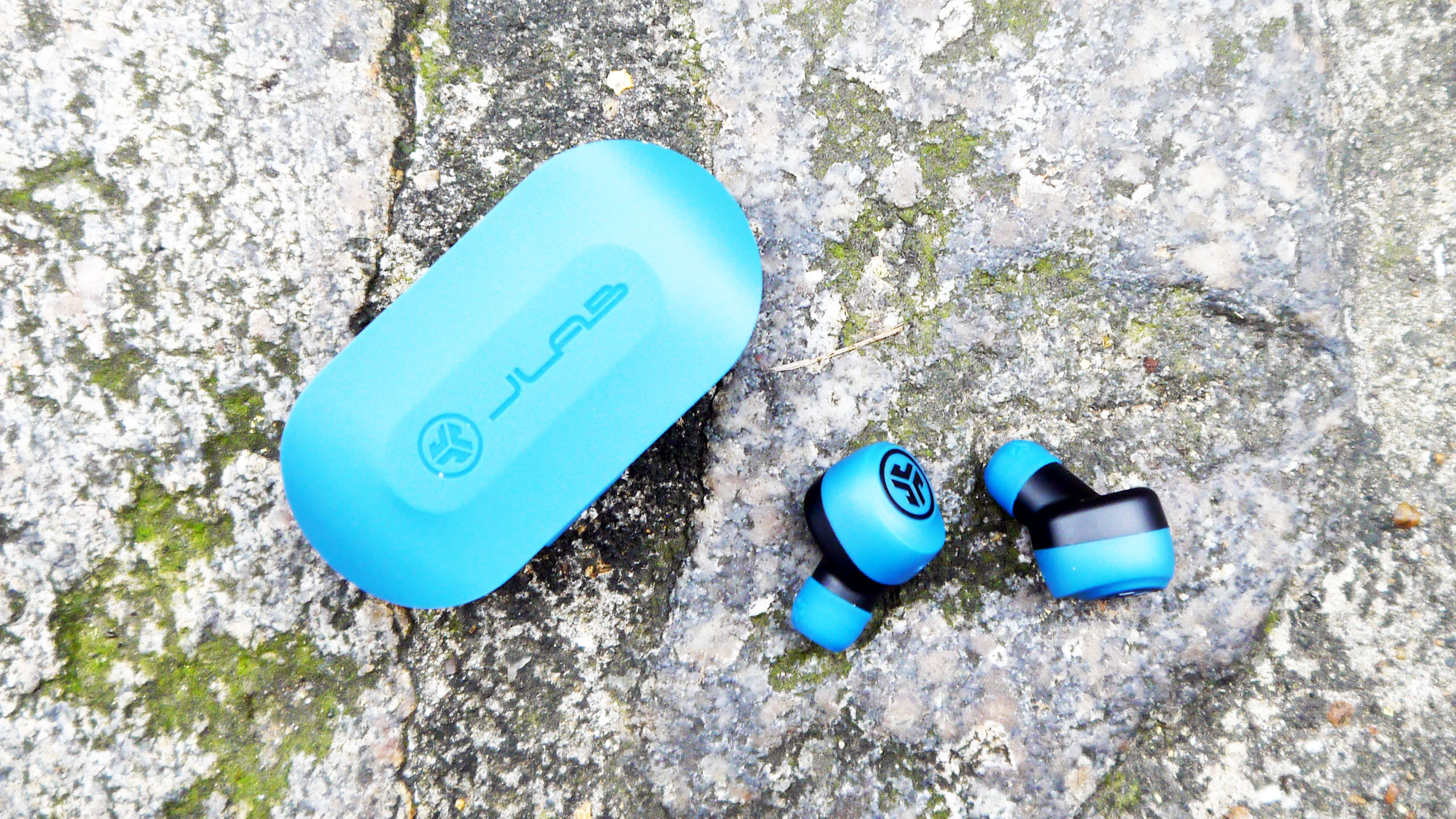 cheap headphone deals: jlab go air