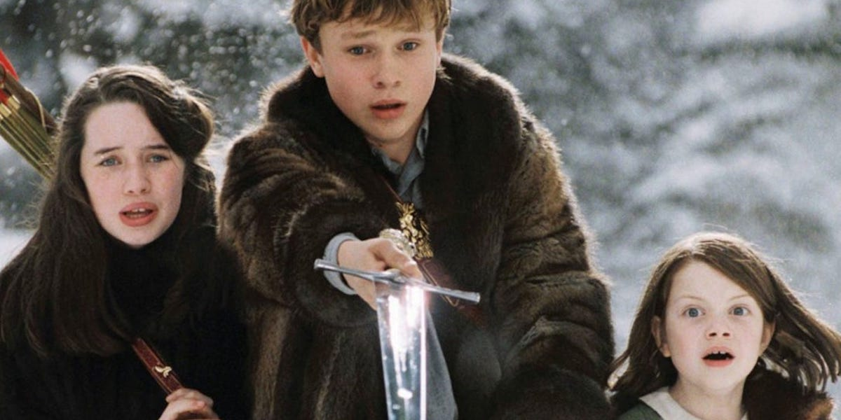 Anna Popplewell, William Moseley and Georgie Henley as Susan, Peter and Lucy Pevensie in Narnia