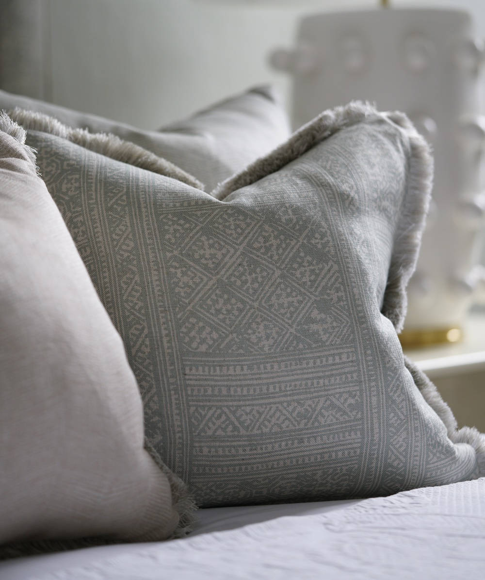 Cushions and Pillows Collection   200+