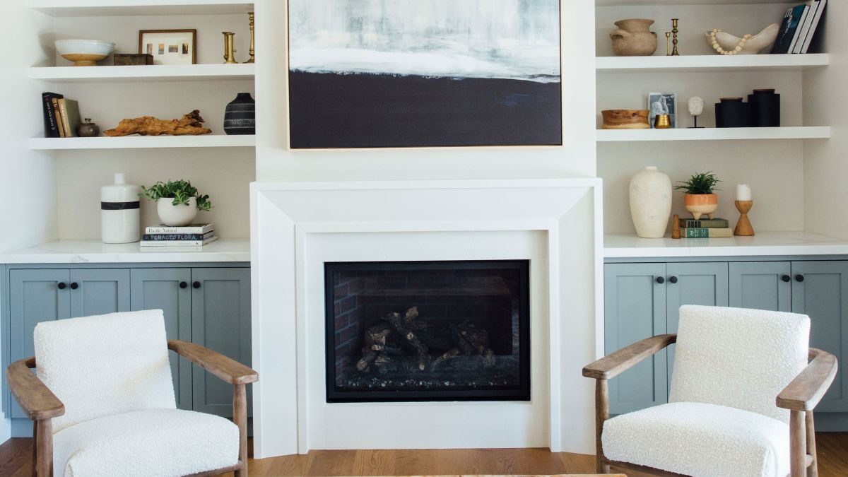 Farmhouse living room wall decor ideas – how to add rustic charm to a blank wall