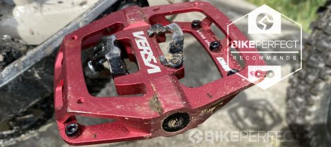 DMR Versa pedal with Bikeperfect recommends review badge