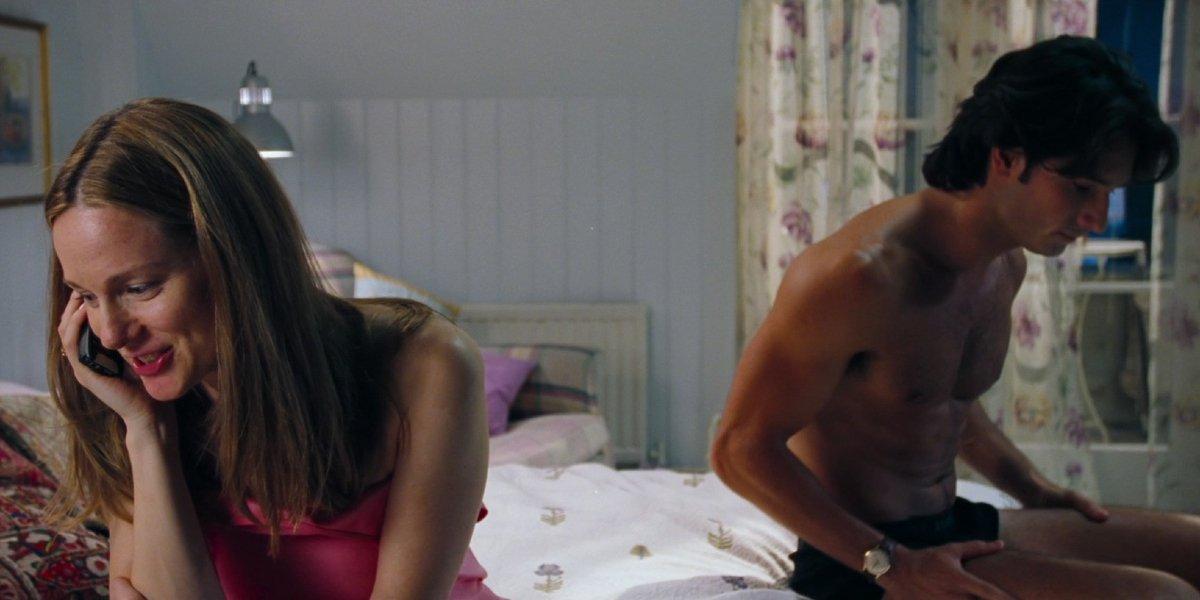 Laura Linney and Rodrigo Santoro in Love Actually