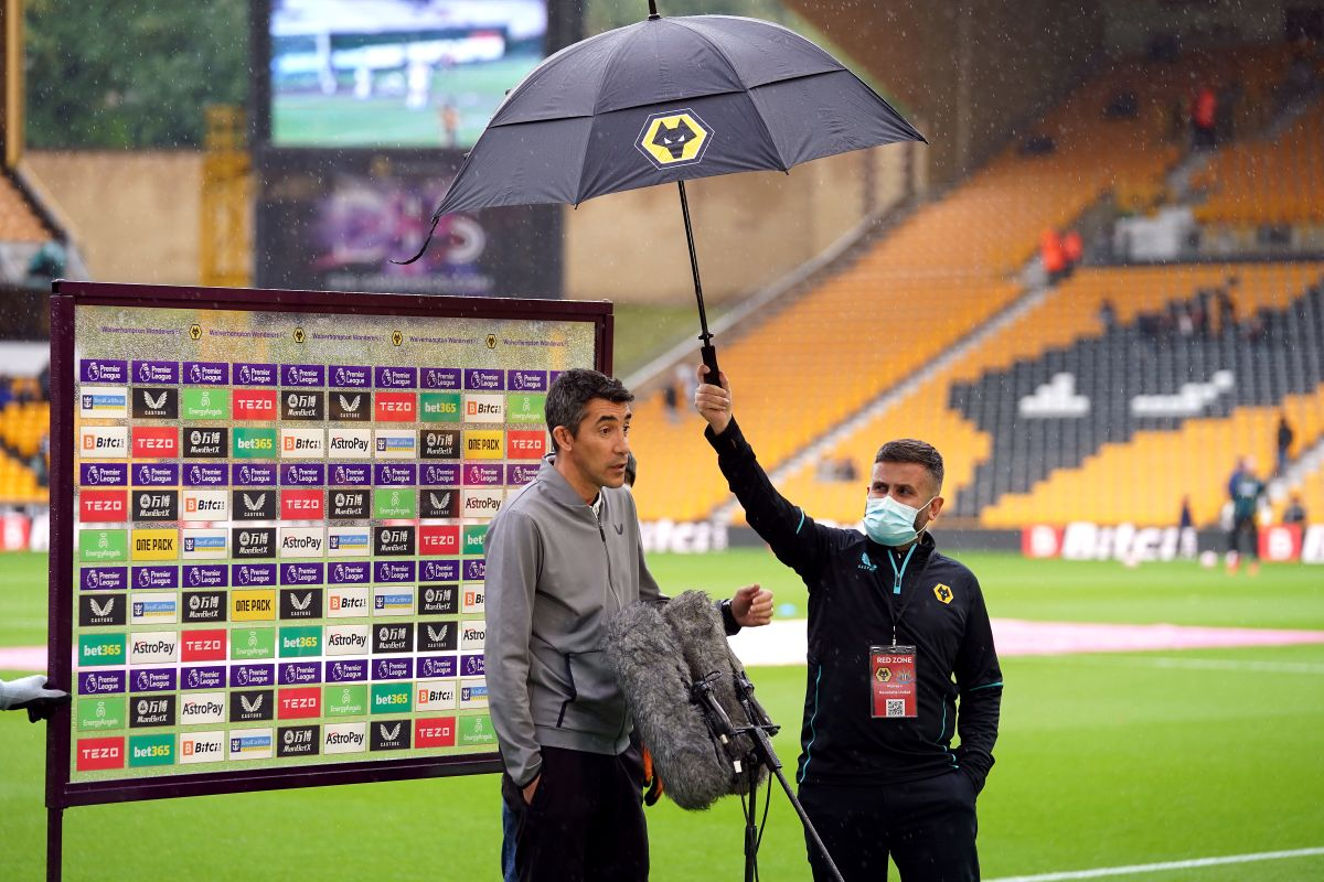 Wolves boss Bruno Lage is looking forward to facing Marcelo Bielsa at Leeds