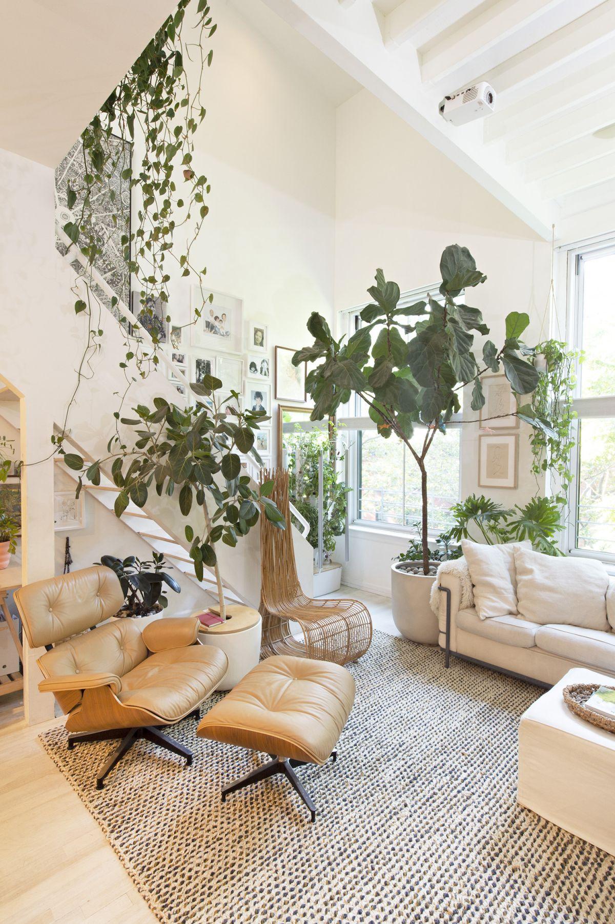 Step inside an architect's tiny loft apartment in Brooklyn