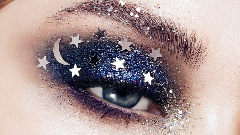 eyeshadow with star sequins