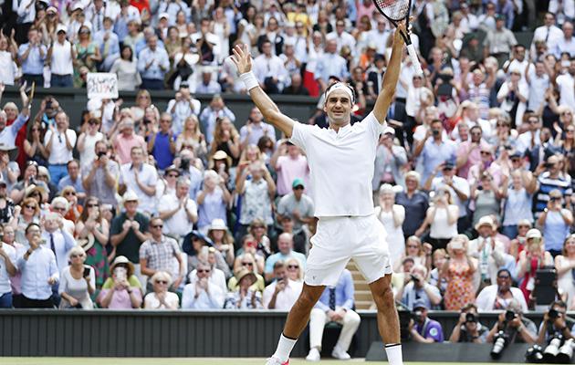 Roger Federer en la final de Wimbledon 2017.