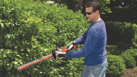 Black & Decker LHT2436B cordless hedge trimmer