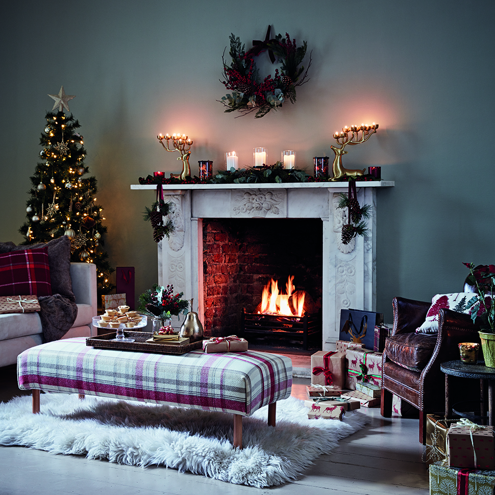 Create A Traditional Christmas Look At Home