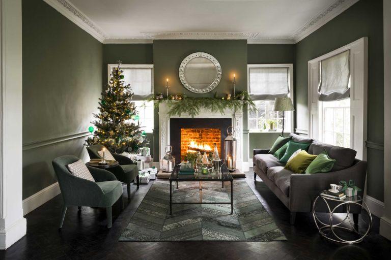 Christmas-tree-living-room