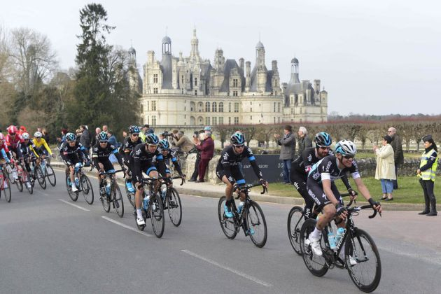 Cyclists pass before the Chateau of Chambord on stage one of the 2015 Paris-Nice