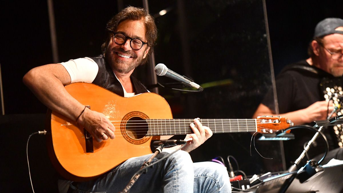 "Al Di Meola on The Beatles: ""It's surprising that they had the guts to play those kind of chords"""