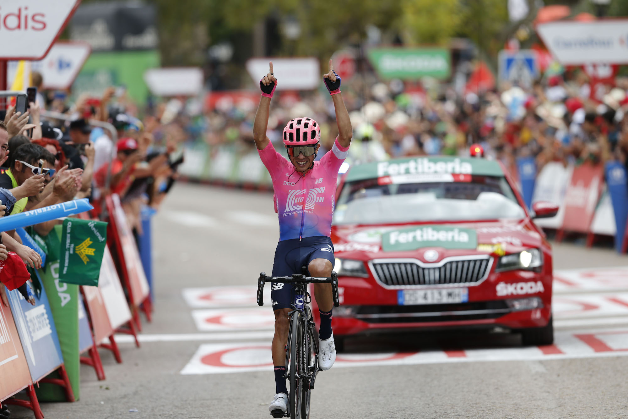 Sergio Higuita solos to Vuelta a España 2019 stage 18 victory as Roglič holds firm