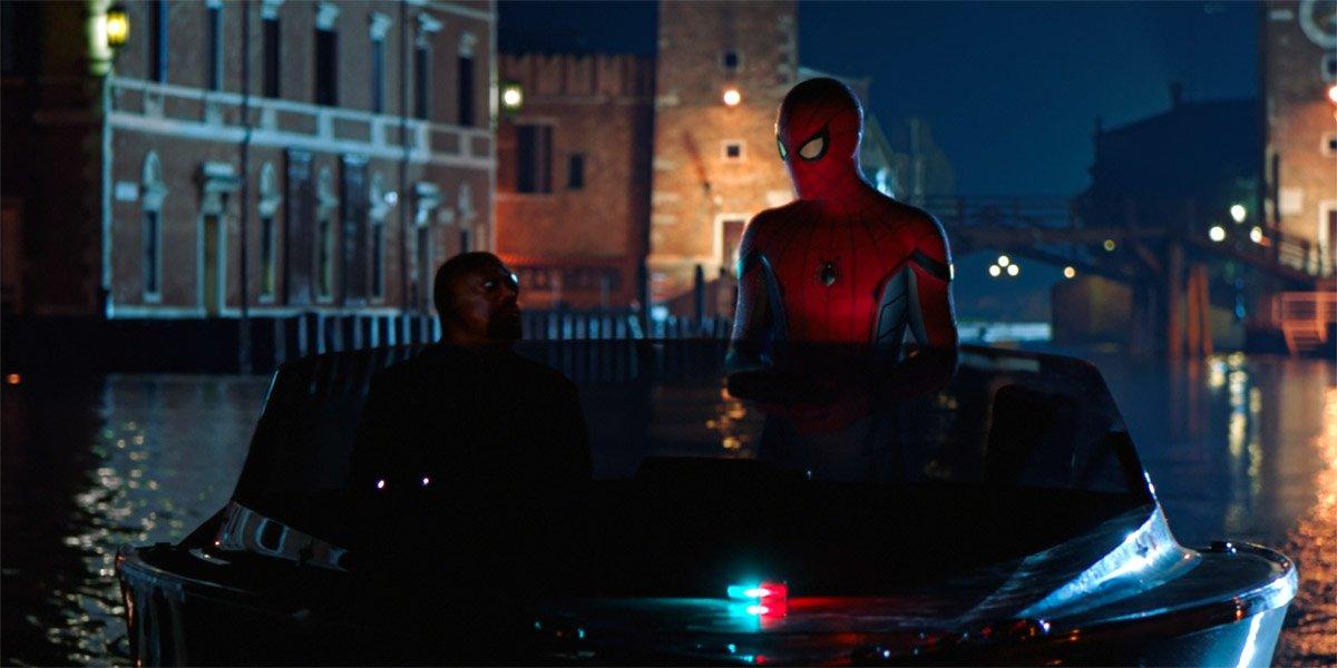 Как Человек-паук: Вдали от конечных кредитов дома может подключиться к WandaVision