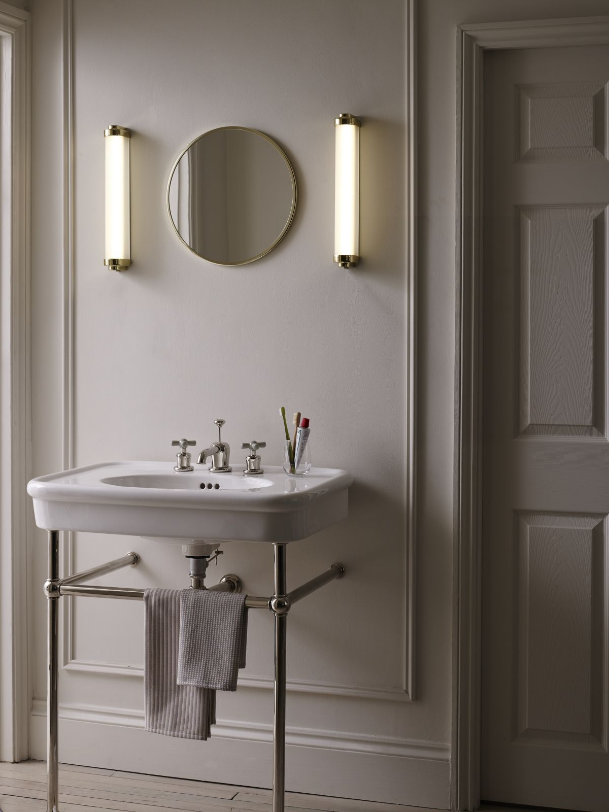 15 Bathroom Lighting Ideas To Brighten Your Space Beautifully Real Homes