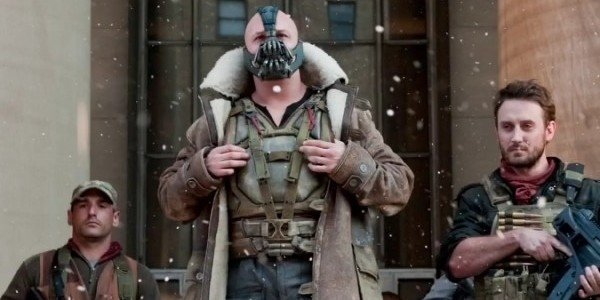 Why Christopher Nolan Likes To Cover Tom Hardy's Face In His Films -  CINEMABLEND