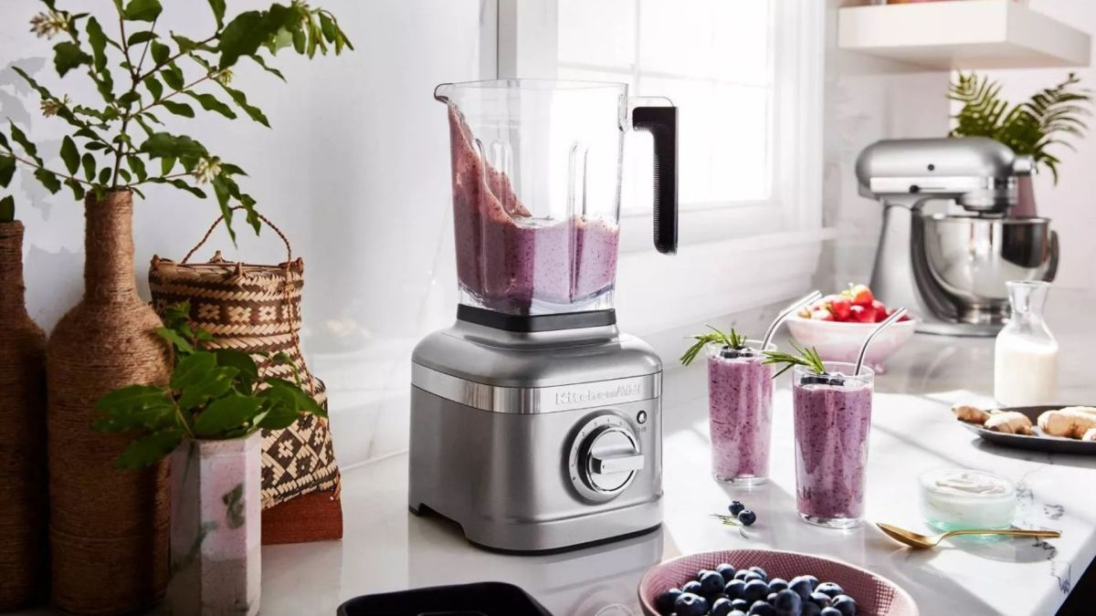 7 of the top blenders for smoothies and other delicious concoctions