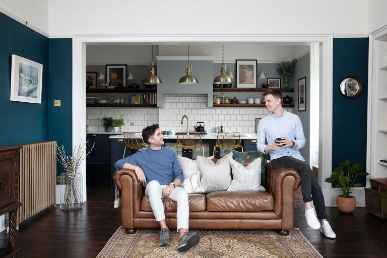 To flatter the elegant proportions of their flat, Iain Martin and Eóin Colgan rethought the layout and filled it with rich colours, drapes and chandeliers