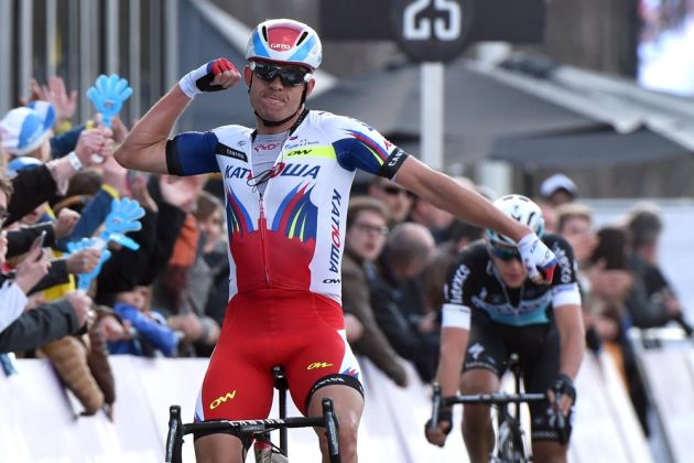 Photo: Alexander Kristoff wins in the 2015 Tour of Flanders .